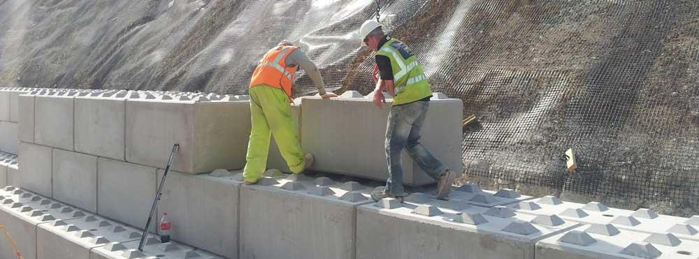 Interlocking Concrete Blocks For Retaining Wall Structures