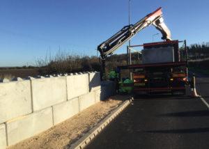 Flood defence wall