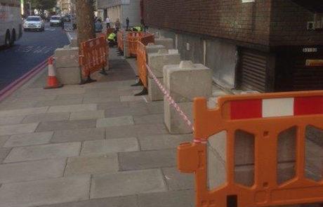 Kentledge blocks for timber hoarding